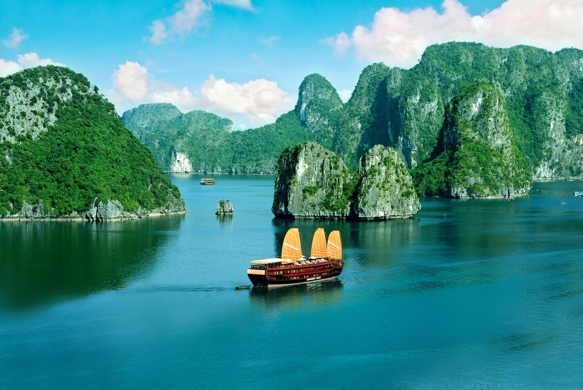 Halong bay Cruise tours
